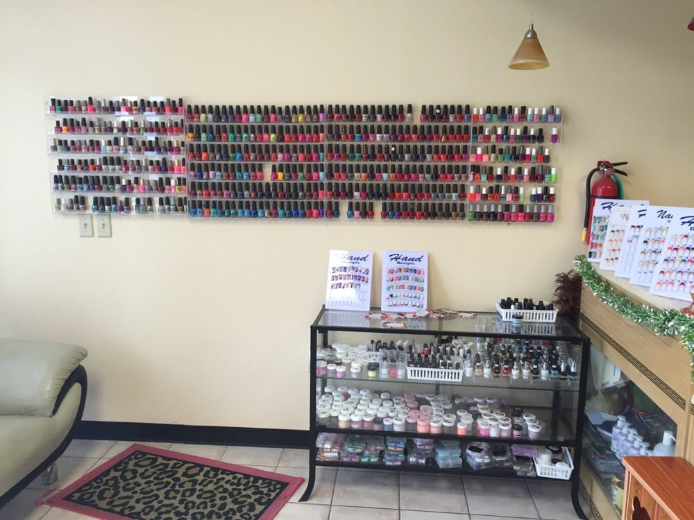 Color yelp for Euphoria nail salon