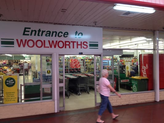 Woolworths - CLOSED - Supermarkets - 123 Spencer St, South