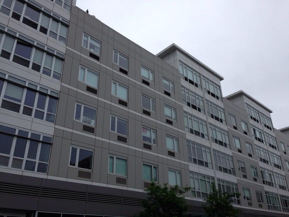175 kent apartments 25 photos flats 175 kent ave for Kent avenue apartments
