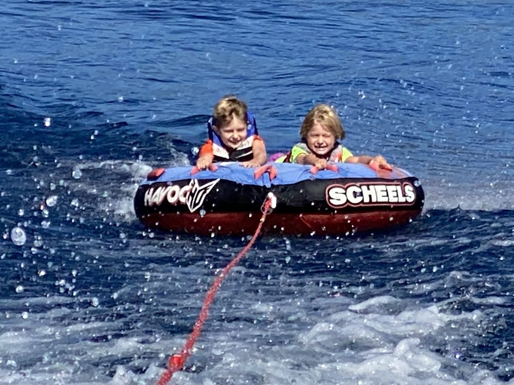 Social Spots from Lake Tahoe Boat Rentals