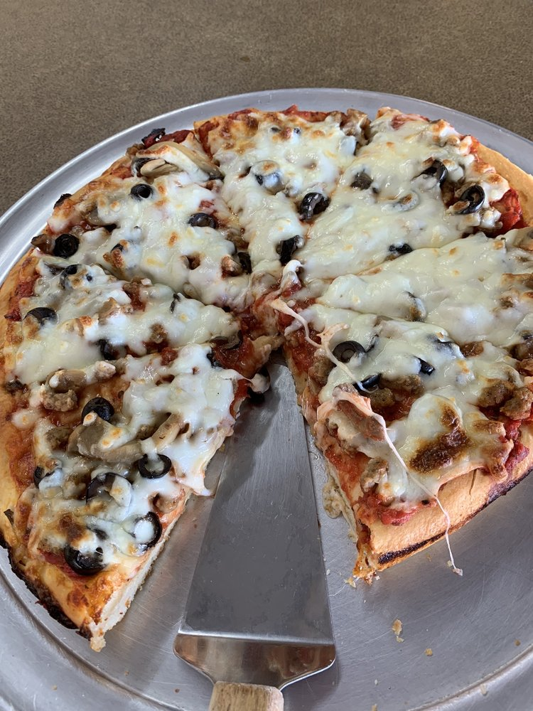 Dave's Pizza Oven: 100 N Central Ave, Coldwater, KS