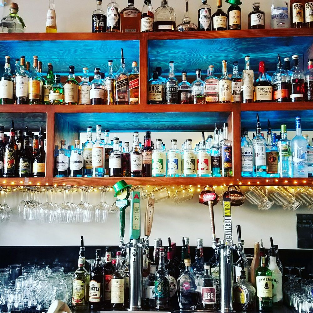 Yes they have a full bar! - Yelp