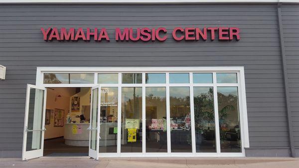 Yamaha Music Center 4620 Barranca Pkwy Irvine, CA Musical