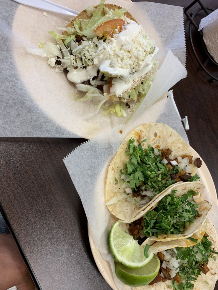 Tacos la bala: 9919 North Fwy, Houston, TX