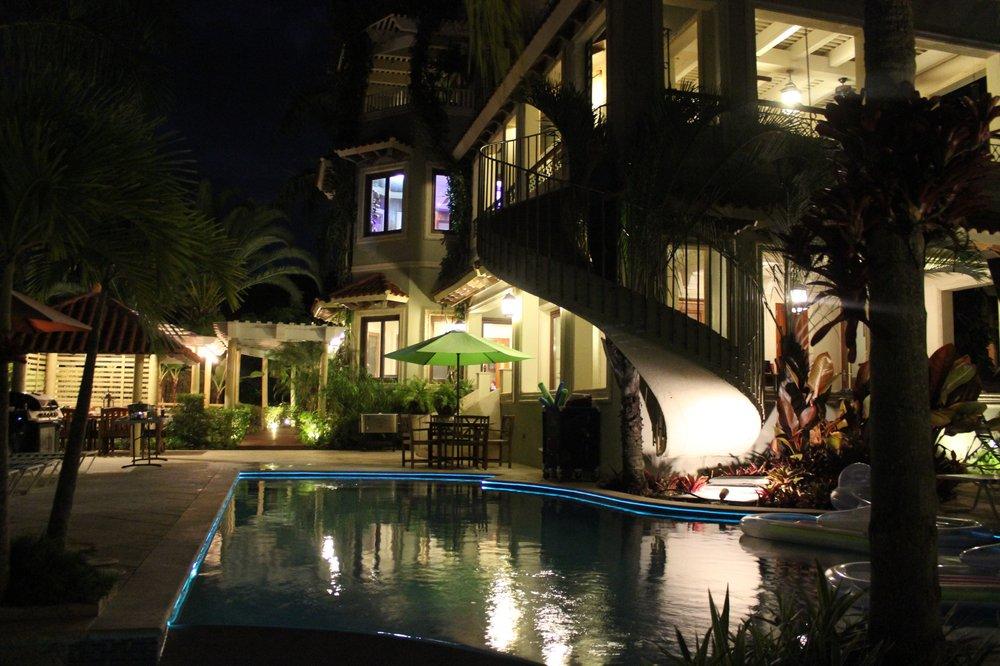 Villa Tuscany: Calle Mameyes S/N, Rio Grande, PR