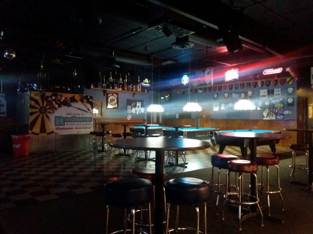Rackums Sports-Bar: 2118 Stringtown Rd, Grove City, OH