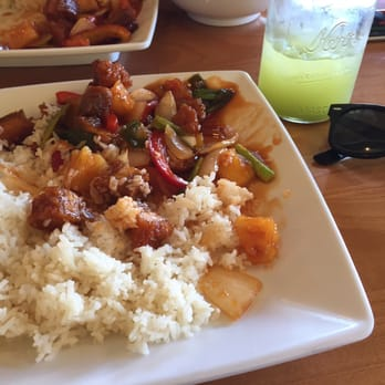 Boran thai restaurant order food online 189 photos for Amazing thai cuisine north hollywood