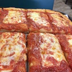 pizza supreme 13 photos 40 reviews pizza 678 stewart ave garden city ny restaurant