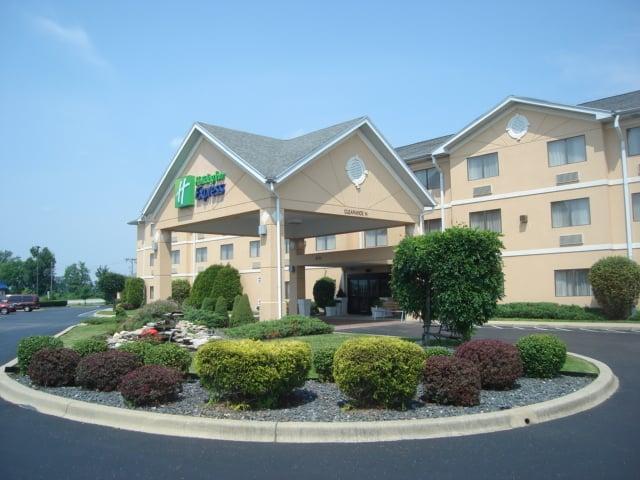 Holiday Inn Express Louisville Northeast: 3711 Chamberlain Ln, Louisville, KY