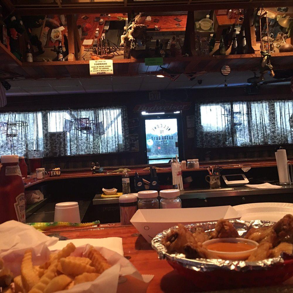 Gator Bait Bar & Grill: 13983 SW State Rd 80, Clewiston, FL