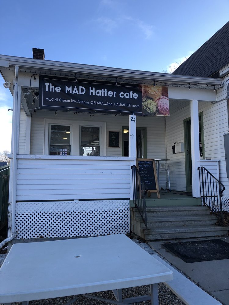 Mad Hatter Cafe: 24 Norwich Ave, Colchester, CT