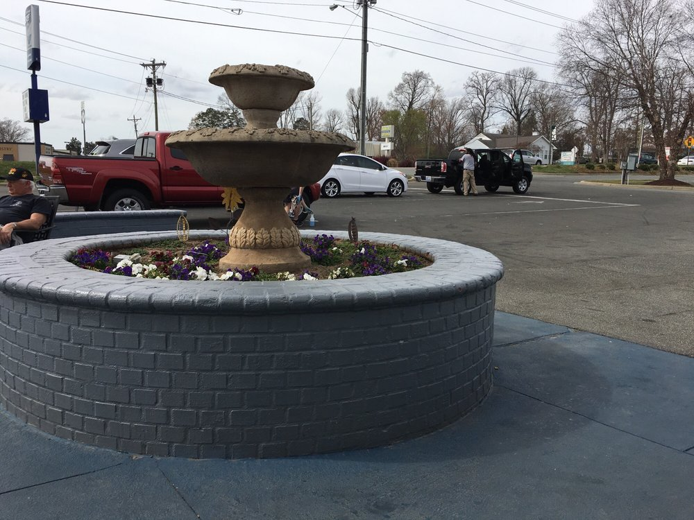 Cute patio area to wait on a nice day yelp for Easterns automotive group eastern motors