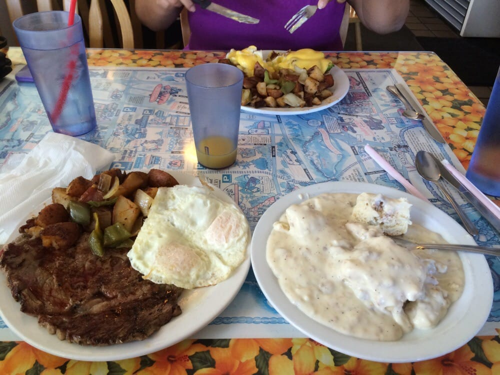 dons country kitchen delicious biscuits and gravy and steak and eggs yelp 3425