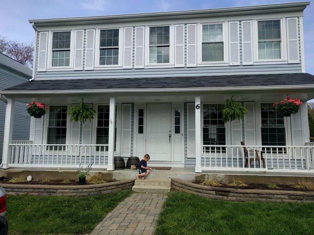 Ellmore's Garden Center: 86 N Reid St, Hamilton, VA