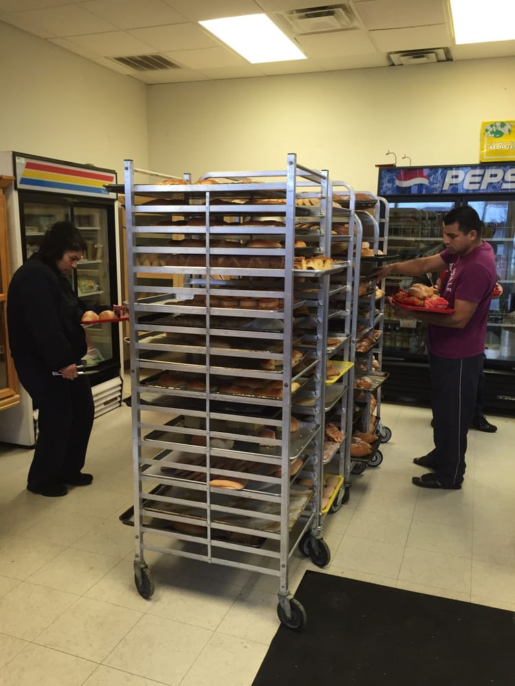 Angela's Bakery: 2854 S Old Missouri Rd, Springdale, AR