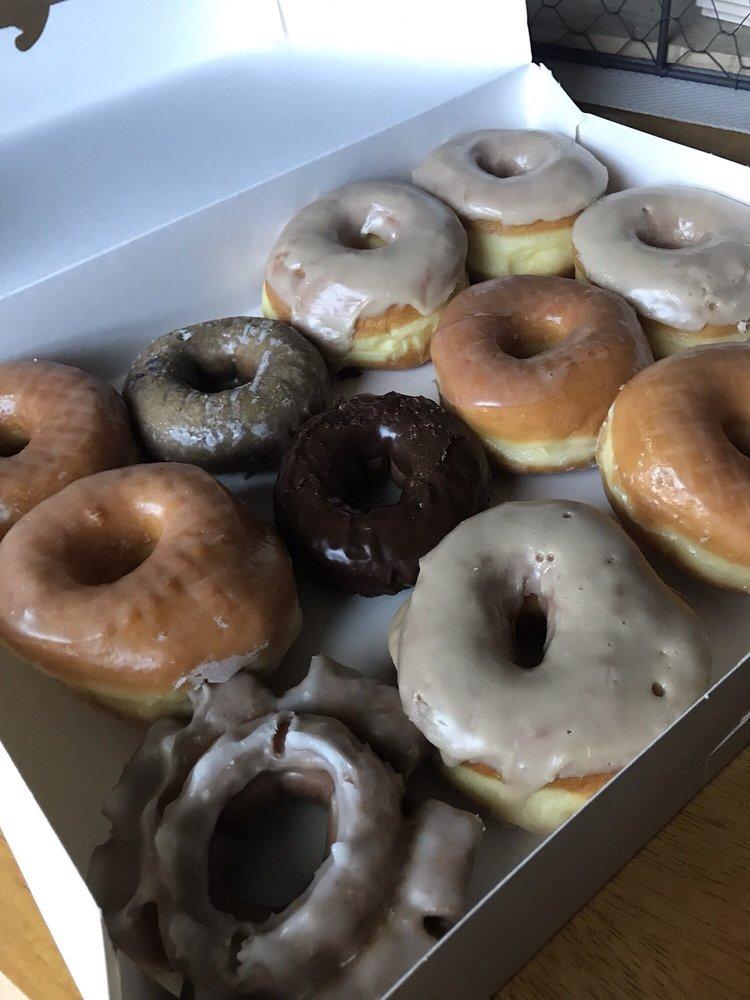J B's Donuts: 13743 S State Highway 51, Coweta, OK