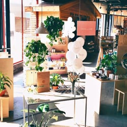 Urban Outfitters 91 Fotos 64 Beitrage Wohnaccessoires 3525 W