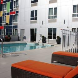 holiday inn express north hollywood burbank area 85. Black Bedroom Furniture Sets. Home Design Ideas