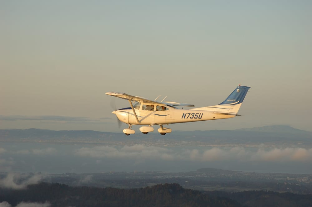 United Flight Services: 120 Aviation Way, Watsonville, CA