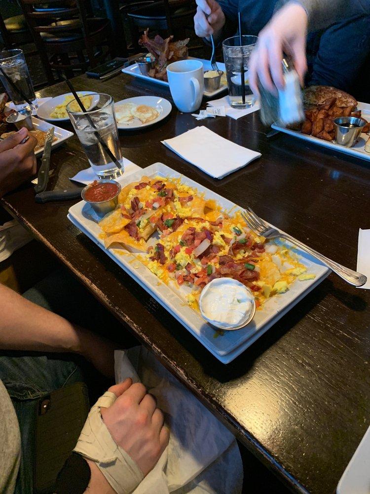 Zeppelins Bar & Grill: 5300 Edgewood Rd NE, Cedar Rapids, IA