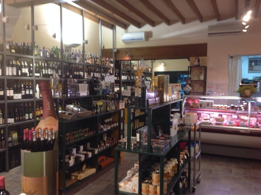 Especialitats lloret vinoteca delikatesseforretninger - Vinoteca valencia ...