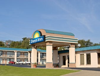 Days Inn by Wyndham Okemah: 605 South Woody Guthrie St, Okemah, OK