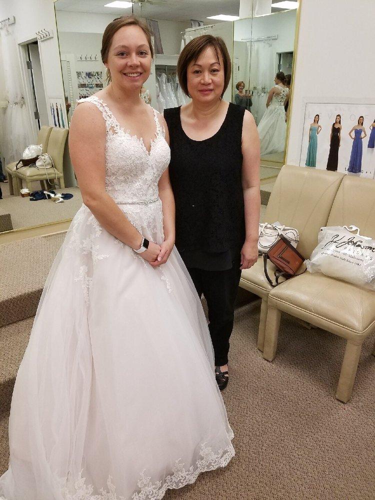Leesburg Bridal & Tuxedo: 705 E Market St, Leesburg, VA