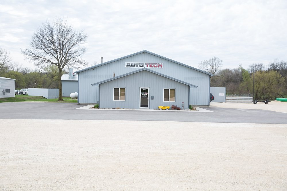 Auto Tech: 2015 20th Ave SE, Dyersville, IA