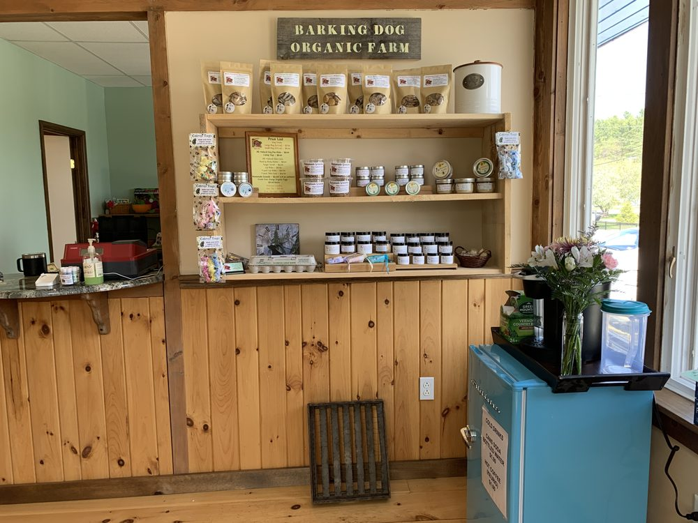 A Farm Girl's Finds: 12 Main St, Enfield, NH