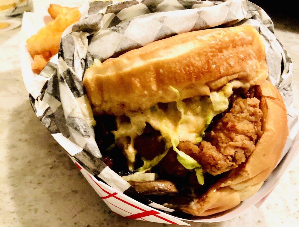 Zoey's Fried Chicken Sandwiches: 8440 5th Ave W, Everett, WA