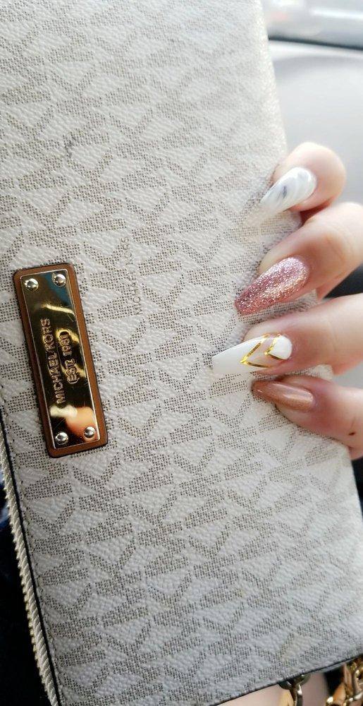 Pink Nails & Spa