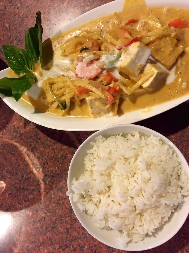 Khao san road thai cuisine 35 fotos y 31 rese as for Ar roi thai cuisine