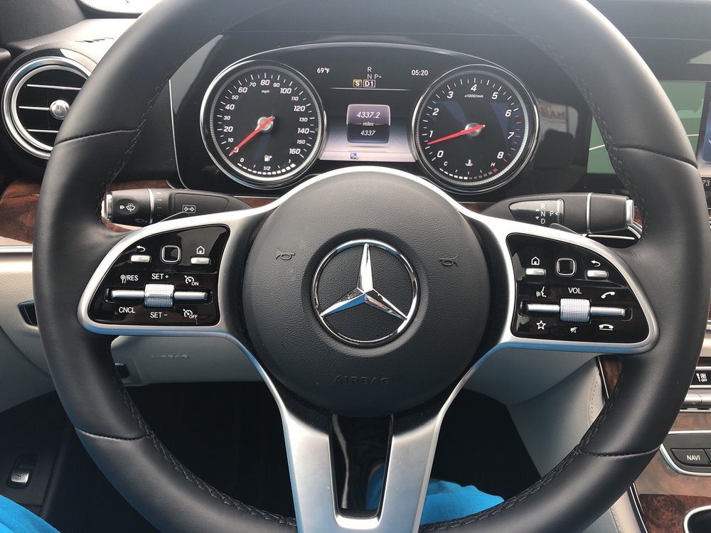 Mercedes Benz Houston North >> Controls Right At Your Fingertips Yelp