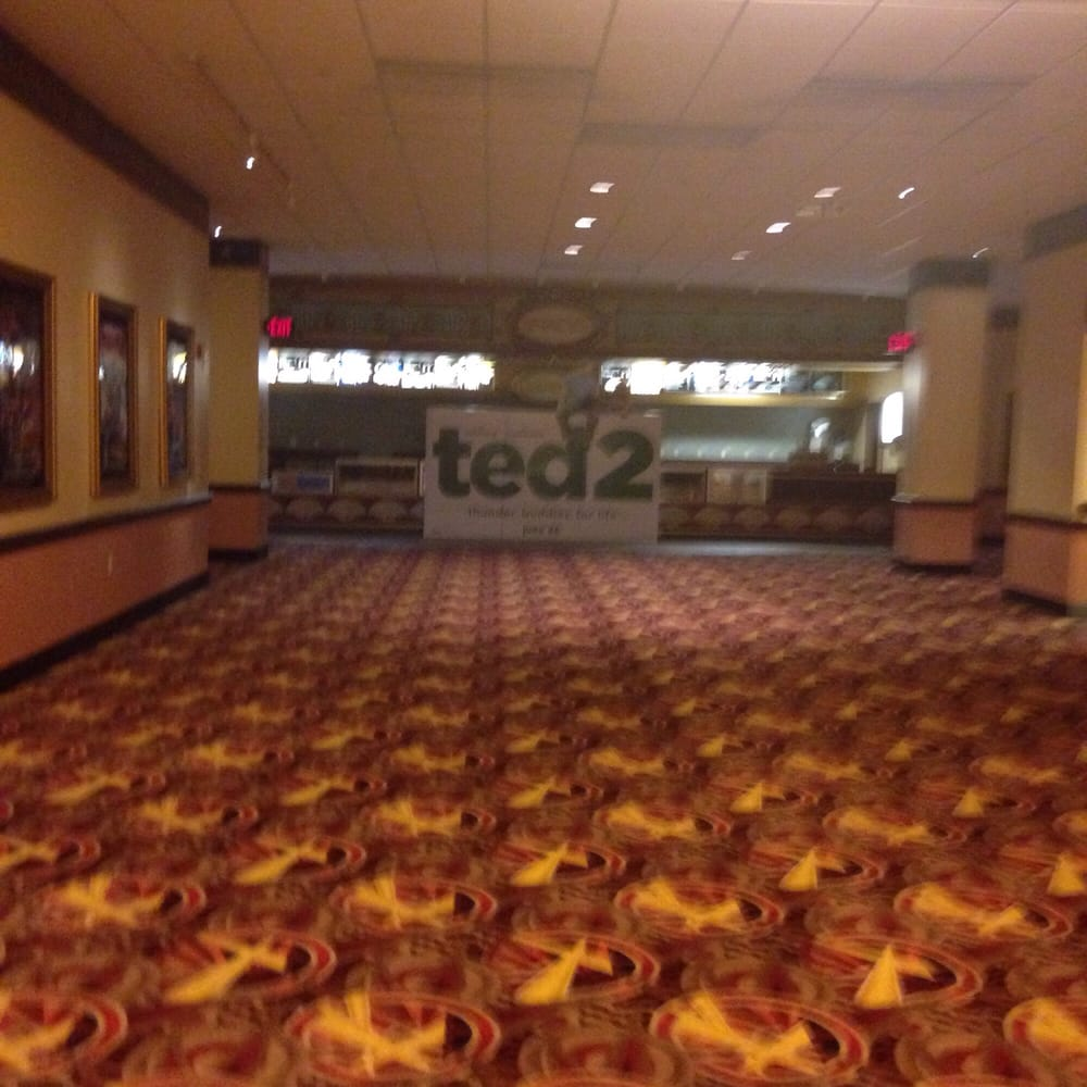 This is what this movie theater look empty yelp for Amc jersey gardens 20 elizabeth nj
