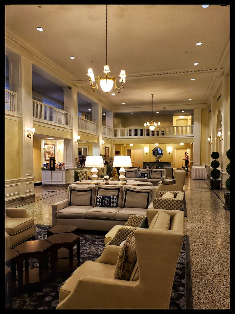 Hotel 24 South: 24 S Market St, Staunton, VA