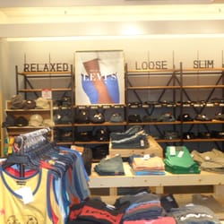 Simon Shoe Store In Southland Mall