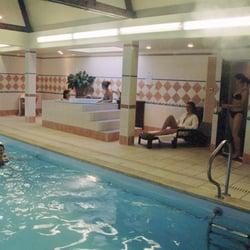 Piscine aquaform gyms faubourg de soignies 56a for Piscine les gets