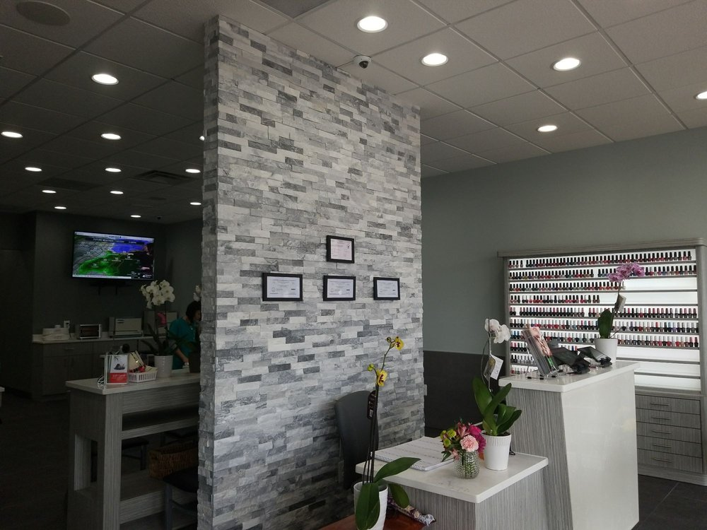 Eunoia Nail and Spa: 707 E Market St, Leesburg, VA