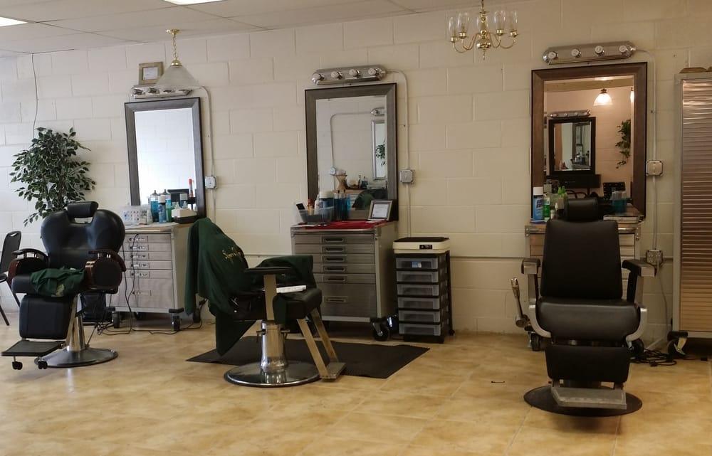 Skipper's Clipper's Beauty and Barber Salon: 236 Mannheim Rd, Bellwood, IL
