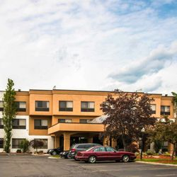 Photo Of Quality Inn Suites Waterford Mi United States