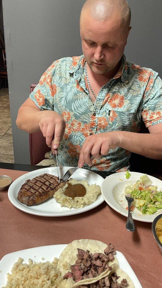 Pablo's Steaks & More: 687 W 4th St, Benson, AZ