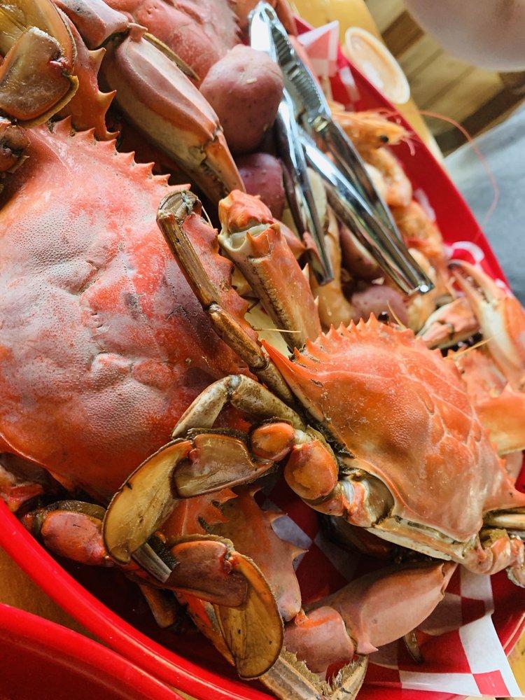 1921 Seafood: 1522 Barrow St, Houma, LA