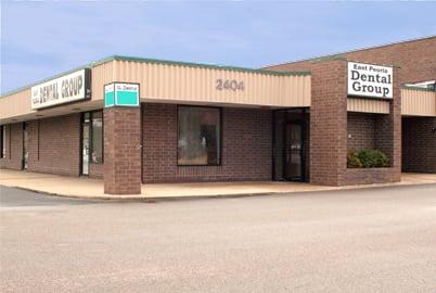 East Peoria Dental Group: 2404 E Washington St, East Peoria, IL