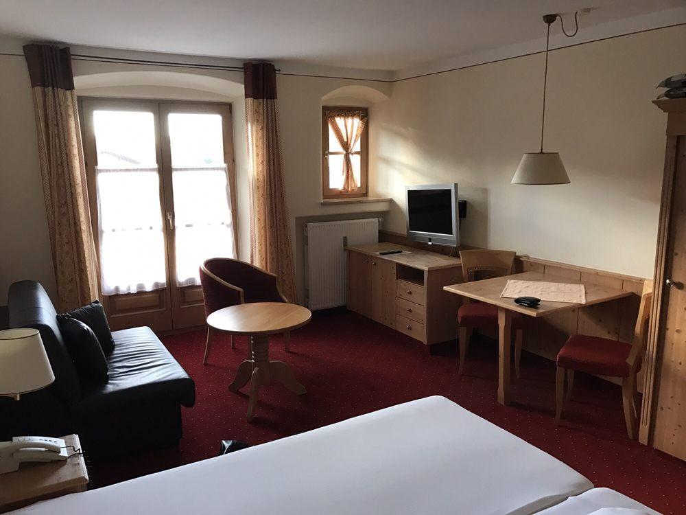 salzburger hof hotel brunnweg 4 bergen bayern. Black Bedroom Furniture Sets. Home Design Ideas