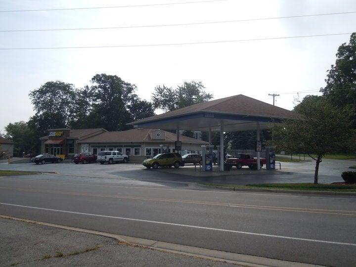 Dimondale Express Mart: 364 Creyts Rd, Dimondale, MI