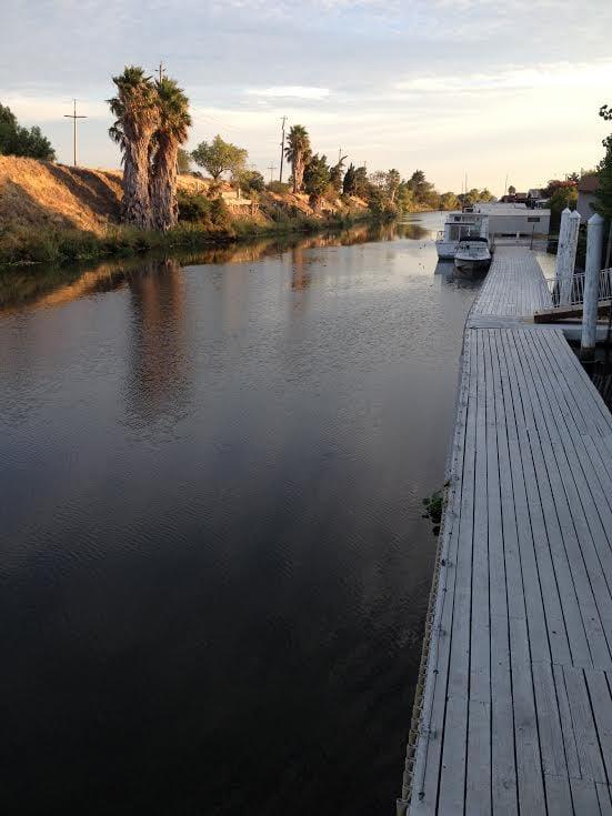 Rivers end marina rv storage 13 recensioni depositi for Piani di costruzione di storage rv