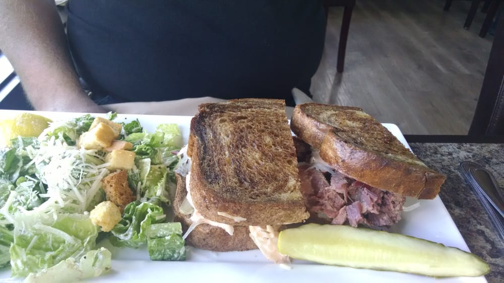 Blue Heron Bar & Grill: 1810 W Snoqualmie River Rd, Carnation, WA