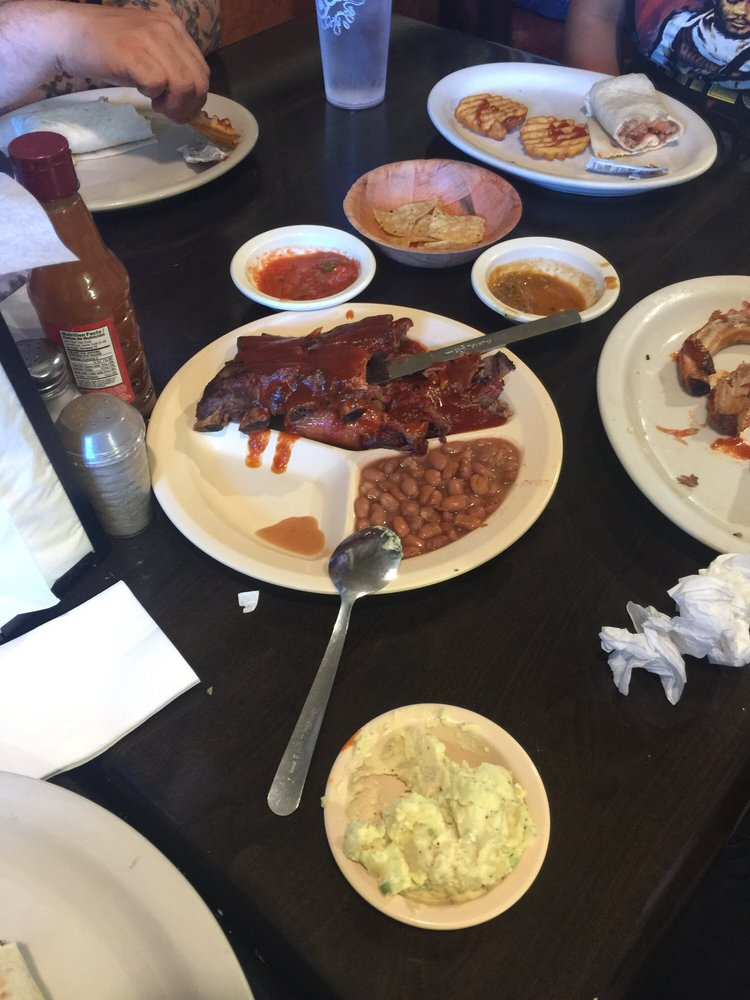 Ranchway Bbq & Mexican Food: 604 N Valley Dr, Las Cruces, NM