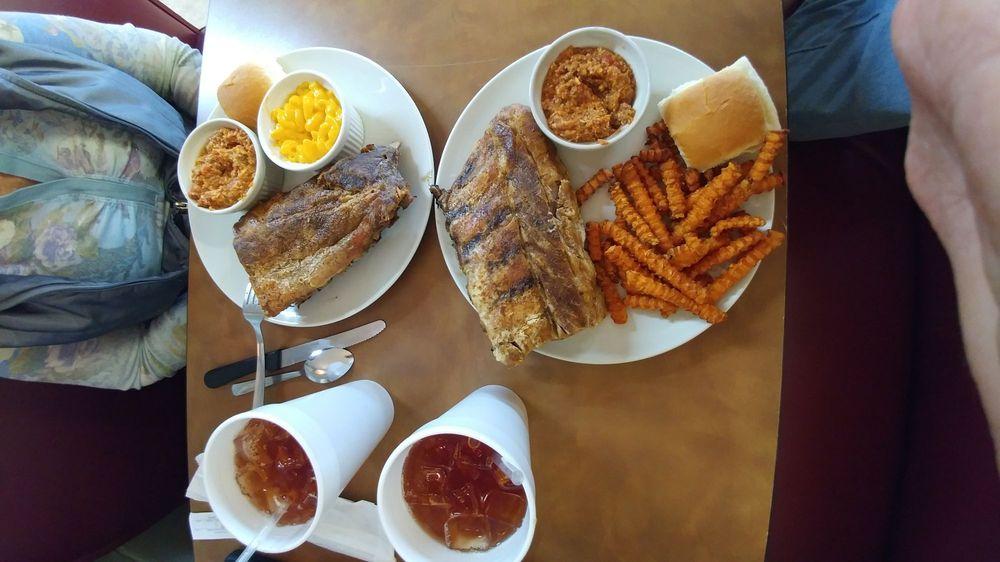 Heavenly Hogs BBQ: Wells Hwy, Seneca, SC