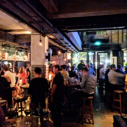 Hook up bars in singapore